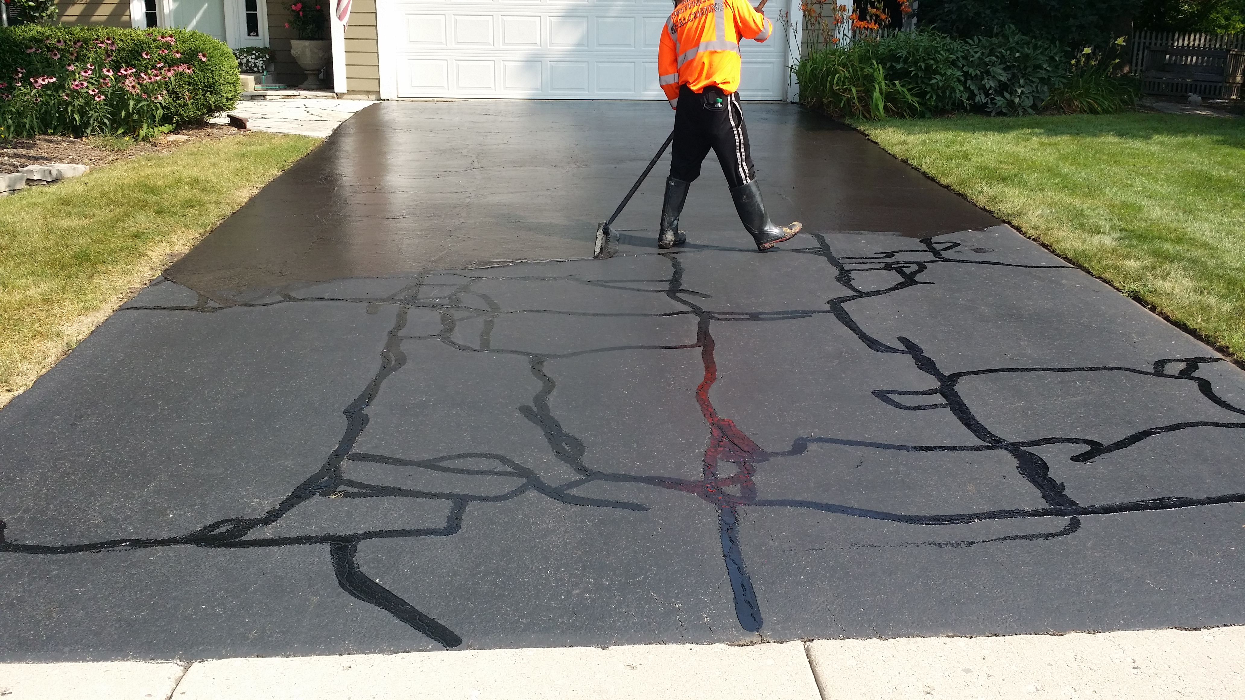 How To Fill The Cracks On Your Asphalt Driveway?
