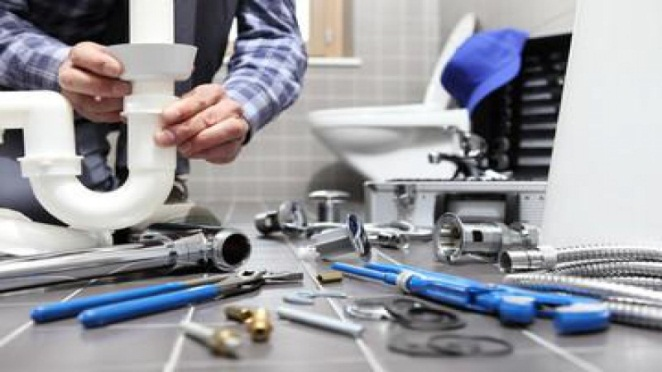 Learn How To Handle A Leaking Pipe Before A Plumber Arrives